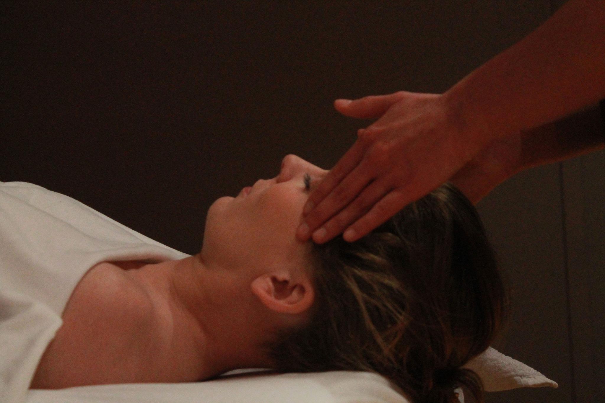 Massage bien-être: le toucher au service de l'essence